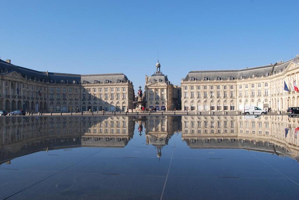 The 'Miroir d'Eau' in Bordeaux city